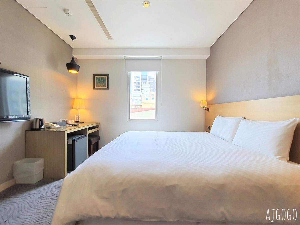 麗馨商旅七賢館:高雄便宜飯店 雙人房分享 近捷運市議會站