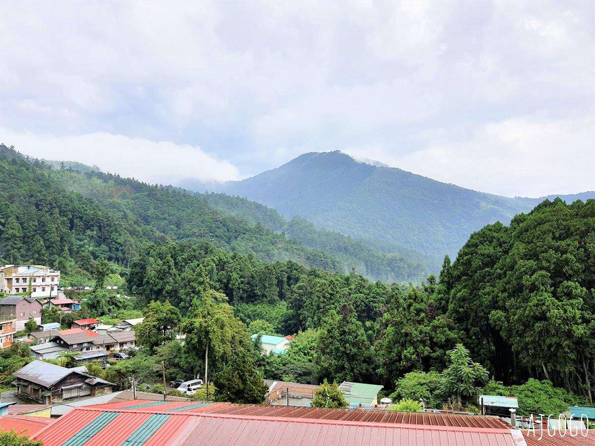 奮起湖雅琇山莊:阿里山上的便宜飯店 四人房、停車場分享