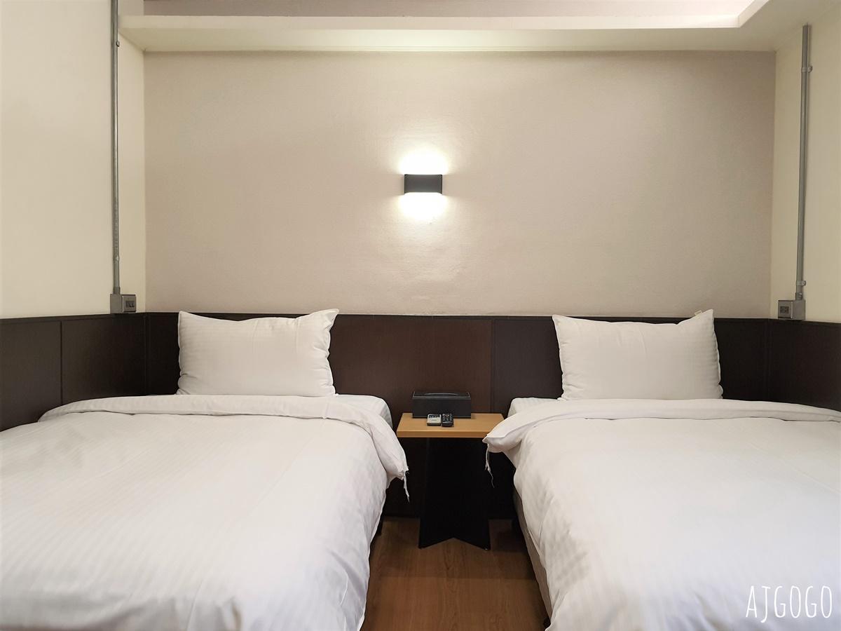 台東富裕商旅:市區裡的便宜飯店 標準雙床房 簡單住一晚OK