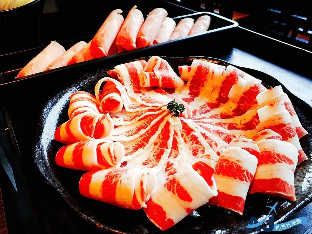 (台中麻辣鍋)這一鍋 皇室秘藏鍋物 單點式精緻麻辣鍋、服務好 秋紅谷、統聯客運朝馬站旁