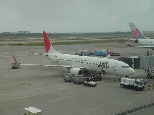 2011-10-11 日本航空 JL814 桃園TPE-大阪關西KIX