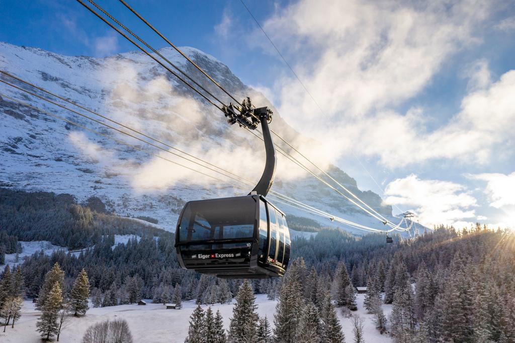 少女峰纜車:艾格快線 Eiger express 從格林德瓦到Eigergletscher只要15分鐘
