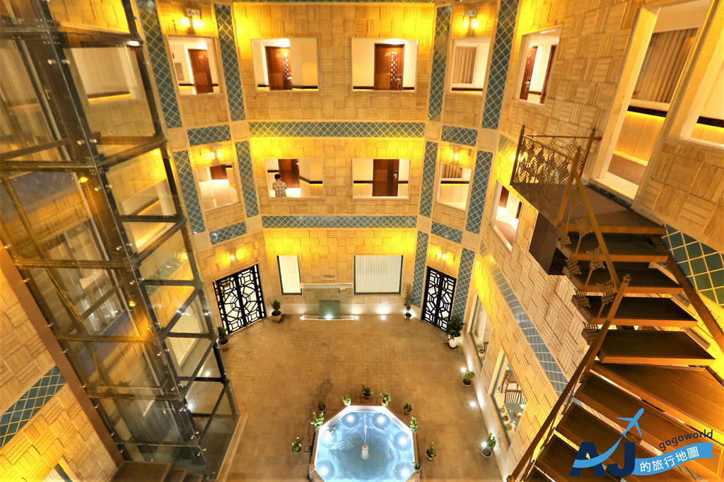 (設拉子飯店住宿)Vakil Hotel 三人房、早餐分享 近莫克清真寺