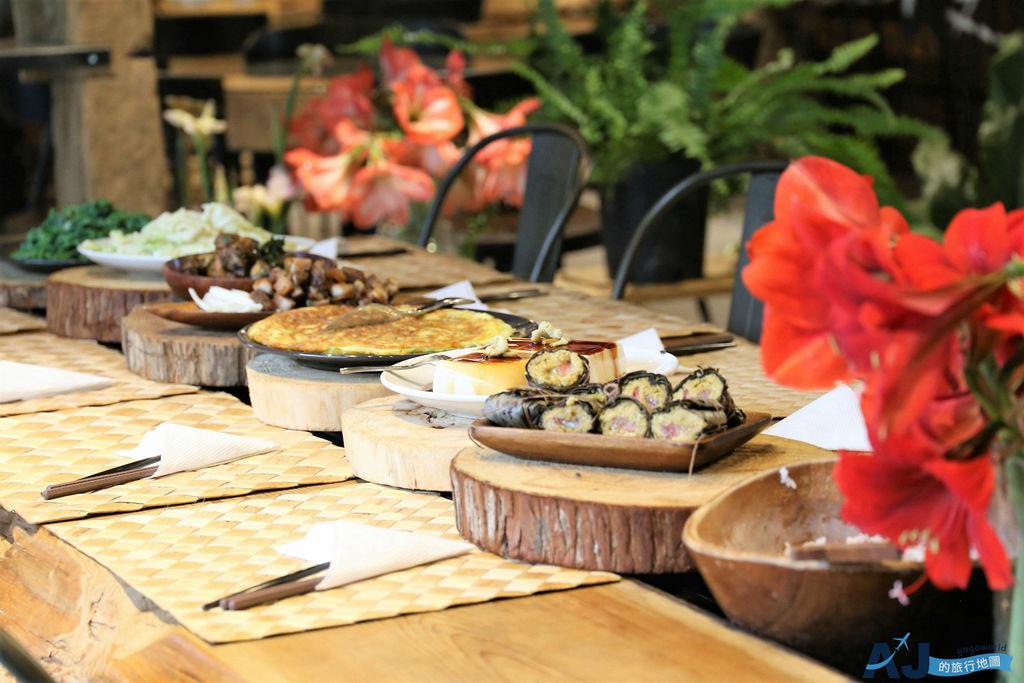 阿里山美食:山芙蓉 FKUO結合鄒族與排灣族的無菜單料理 烤豬肉、當季蔬菜、山泉水豆腐好吃