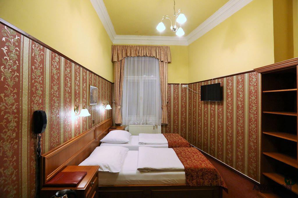 (布拉格飯店推薦)老布拉格酒店 Old Prague Hotel 雙床房、早餐、交通分享 近地鐵Narodni trida站、老城廣場、查理大橋