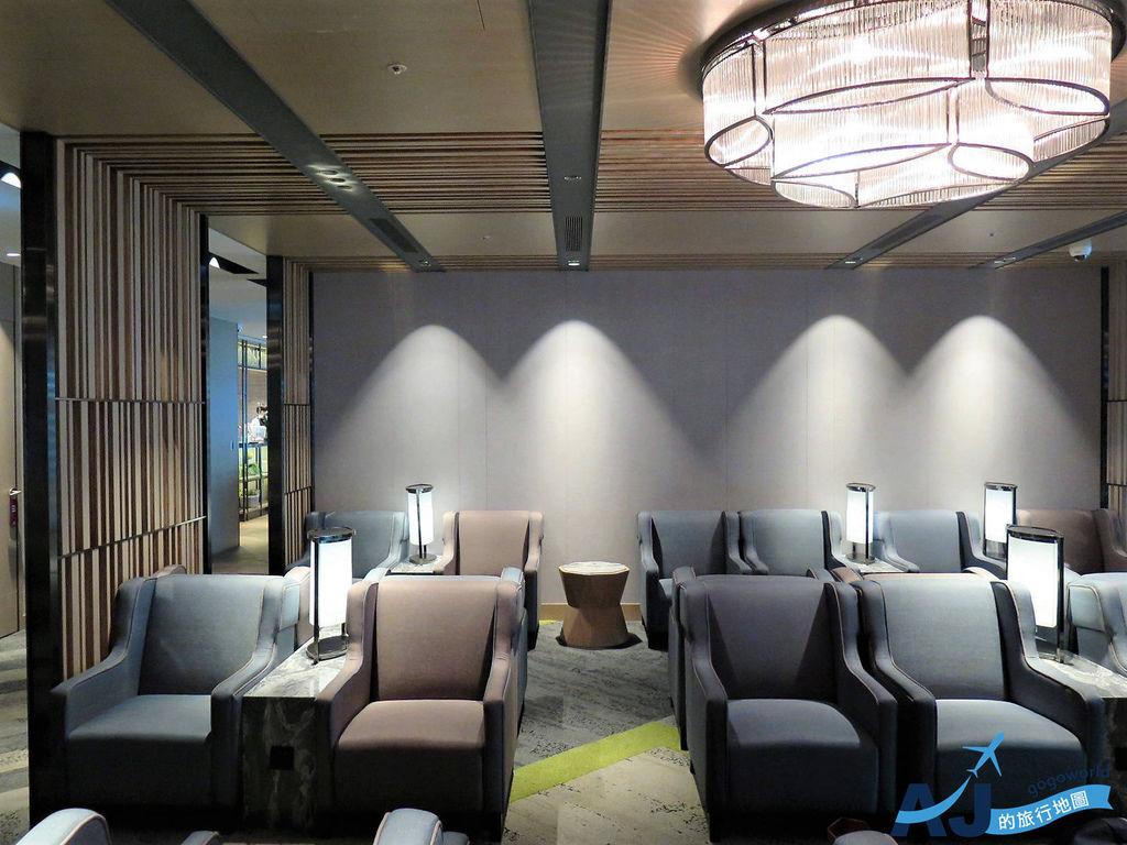 桃園機場環亞貴賓室 第二航廈 A區 VIP休息室、自助式吃到飽餐飲、淋浴間使用經驗分享