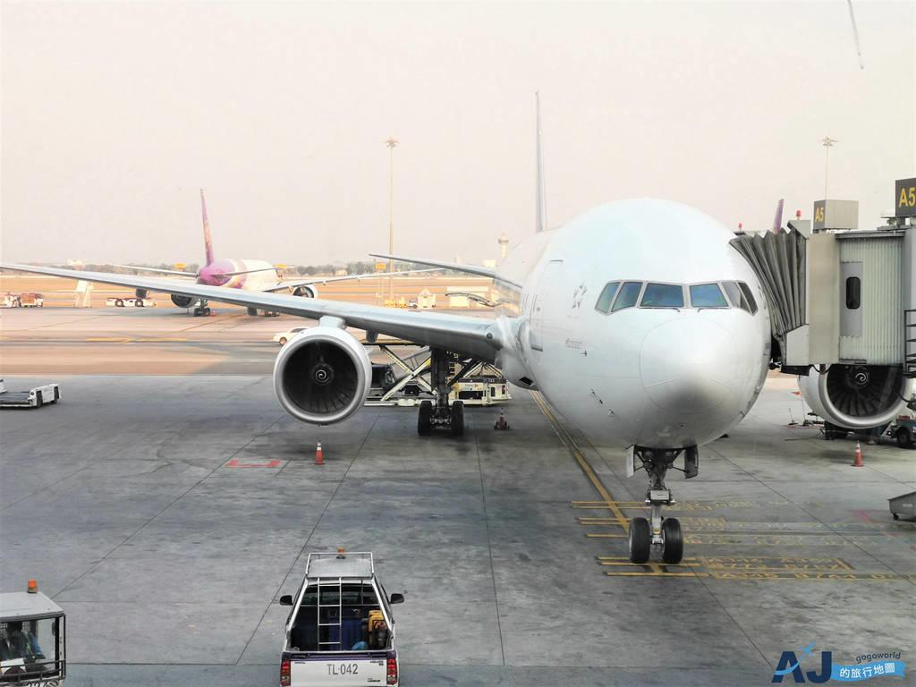 泰國航空 787 TG633 桃園TPE>泰國曼谷BKK 與 TG221 曼谷BKK>普吉島HKT 曼谷機場轉國內線、飛機餐分享